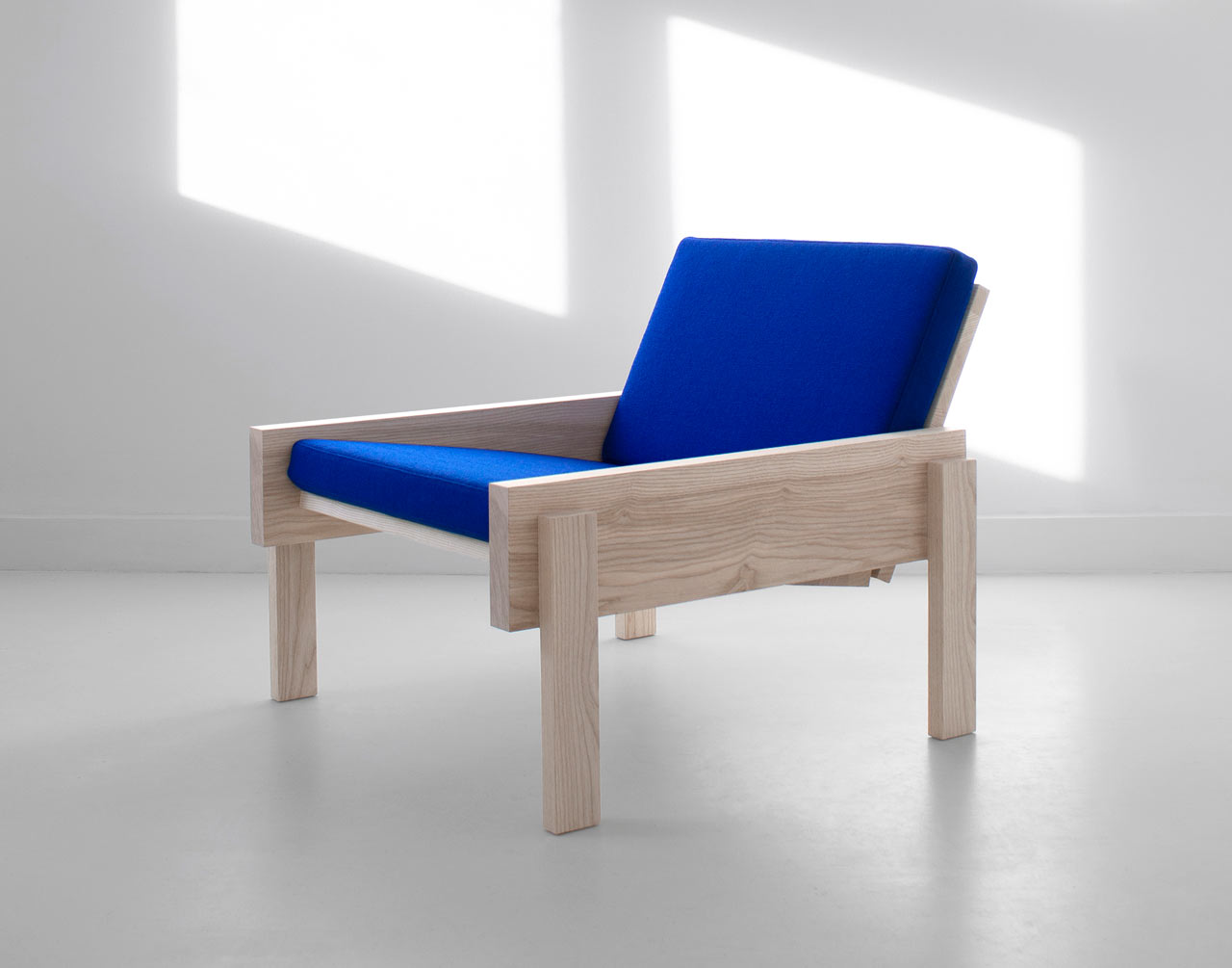 The Simple Solid Chair by Thijmen van der Steen